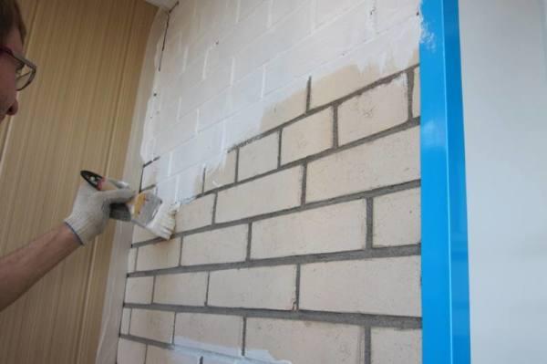 Подготовка кирпичной стены под покраску