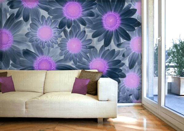 Оригинальные цветы на фотообоях в гостиной