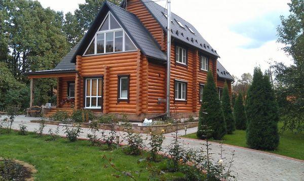 Правильный выбор цвета краски для деревянного дома