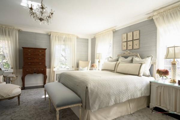 Сочетание серого и белого в интерьере спальни