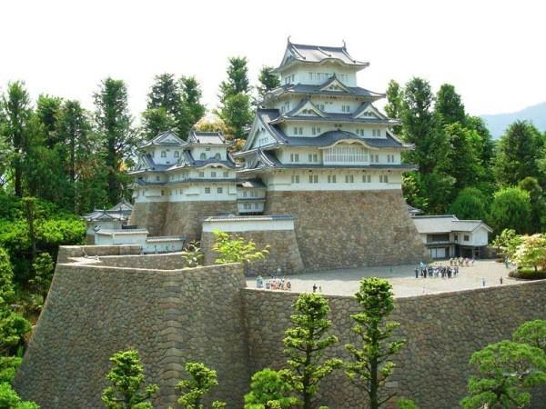 Японский замок-лабиринт Химэдзи или Белая Цапля