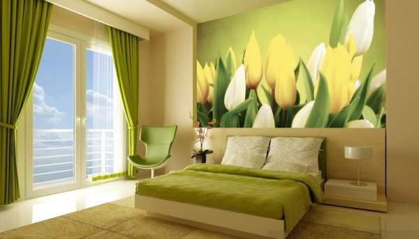Фотообои красивые тюльпаны, в интерьере спальни