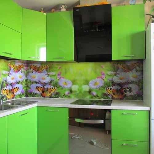Фотообои с бабочками идеально подойдут на кухню, оформленную в летней цветовой гамме