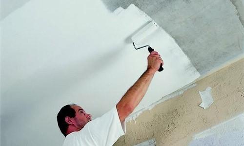 Как покрасить потолок мелом