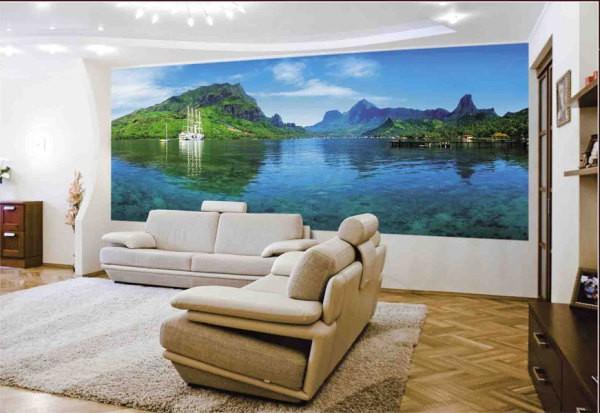 На фото, фотообои с морским пейзажем, в интерьере гостиной