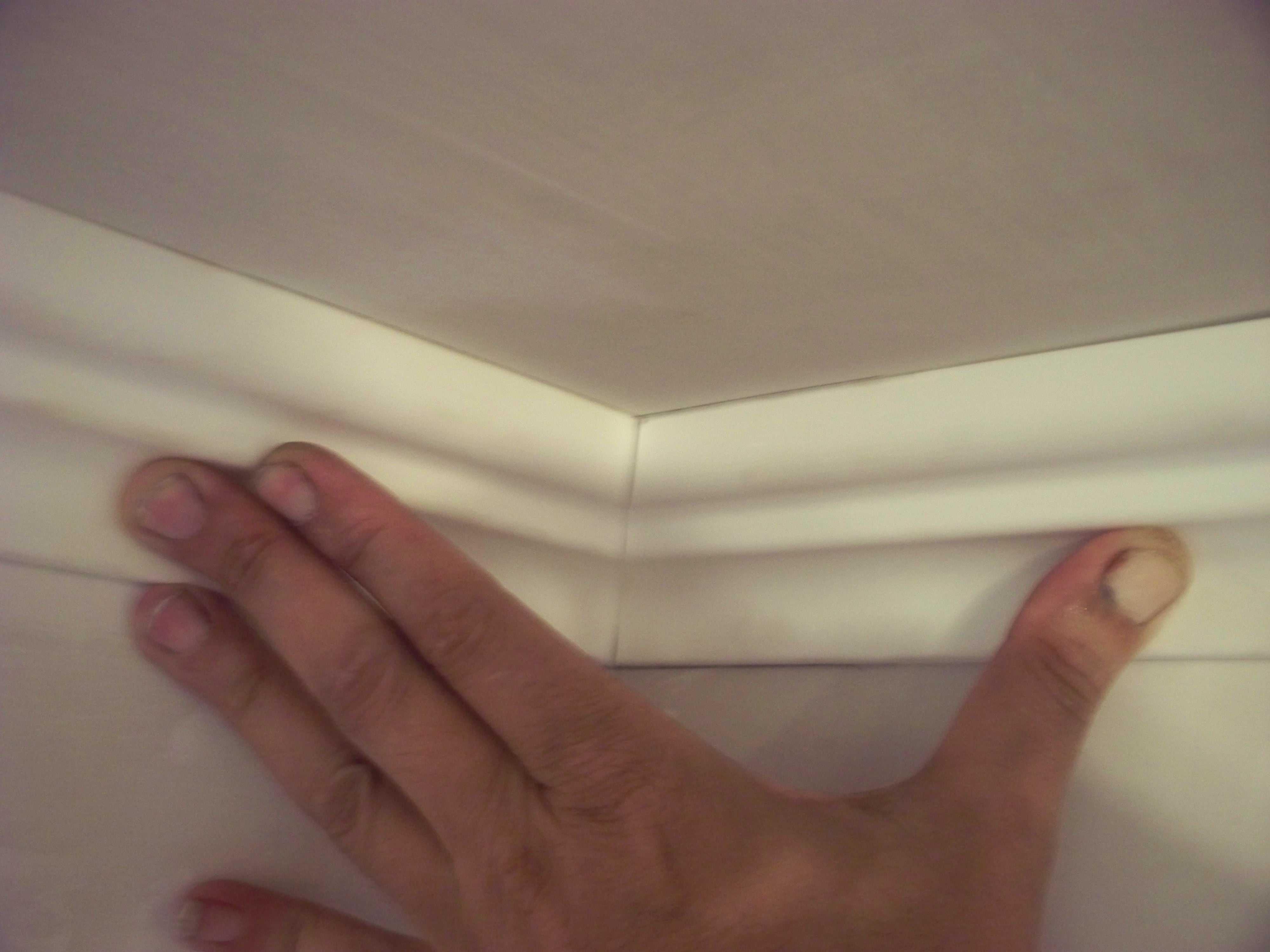 Потолочный плинтус как правильно сделать углы6