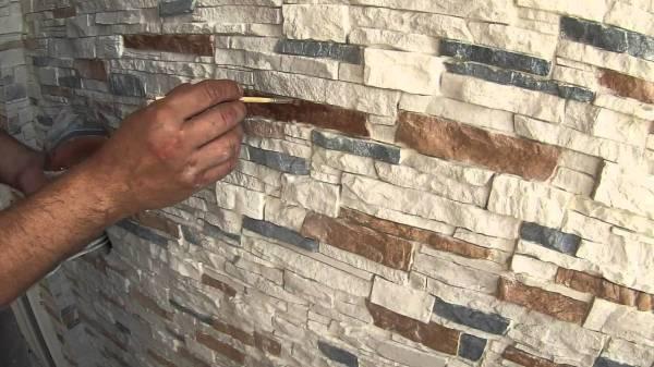 Покраска гипсового камня кисточкой