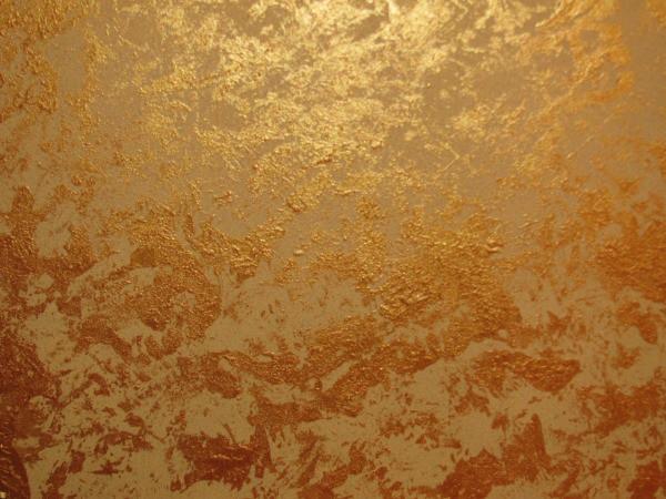 Золотое покрытие стен с помощью декоративной краски