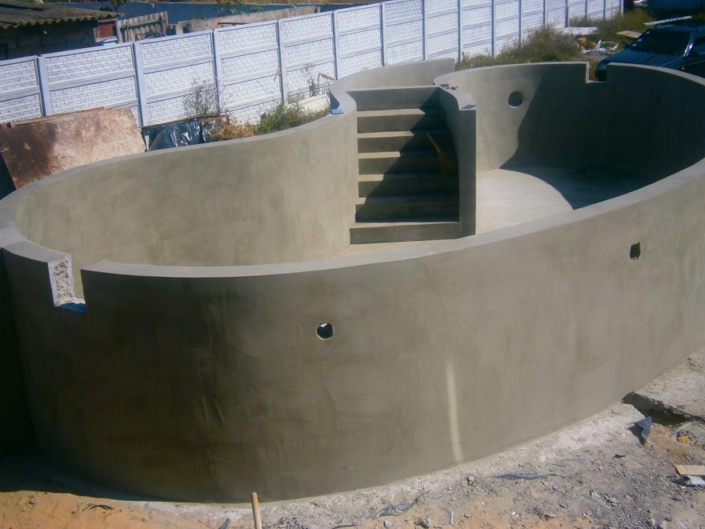 Готовый к эксплуатации оштукатуренный бассейн