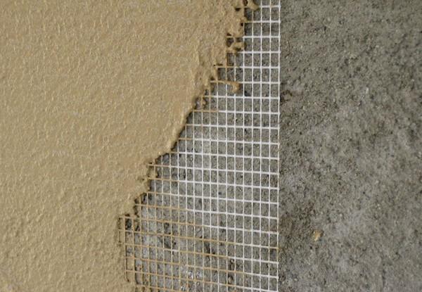 Армирование стены из глины капроновой сеткой