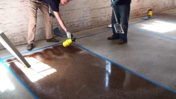 Чем покрасить бетонный пол в бане
