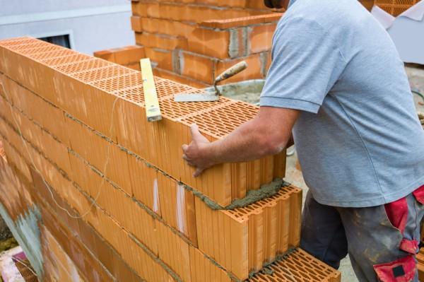 Делаем стену из керамических блоков
