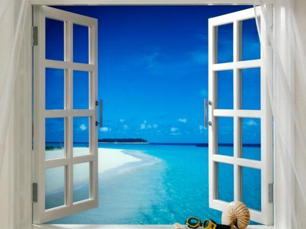 Фотообои с изображением окна с видом на синее небо и прозрачное море