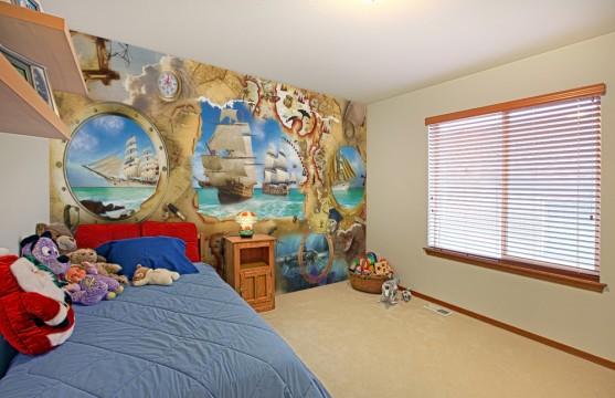 Фотообои с изображением старинных карт и кораблей хорошо подойдут в комнату мальчика