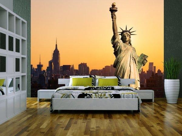 Фотообои с изображением Статуи Свободы в современном интерьере спальни