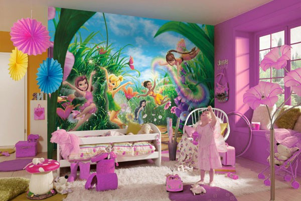 Фотообои с изображением волшебных фей в интерьере детской комнаты