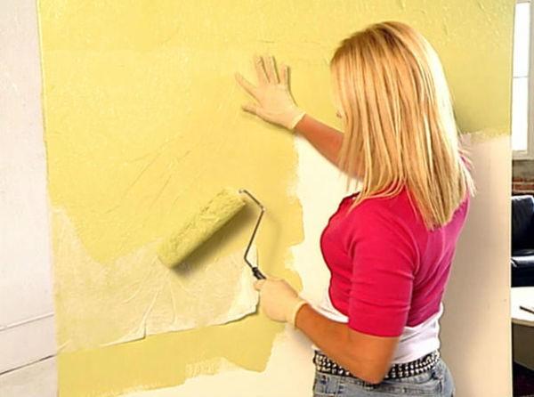 Как покрасить флизелиновые обои