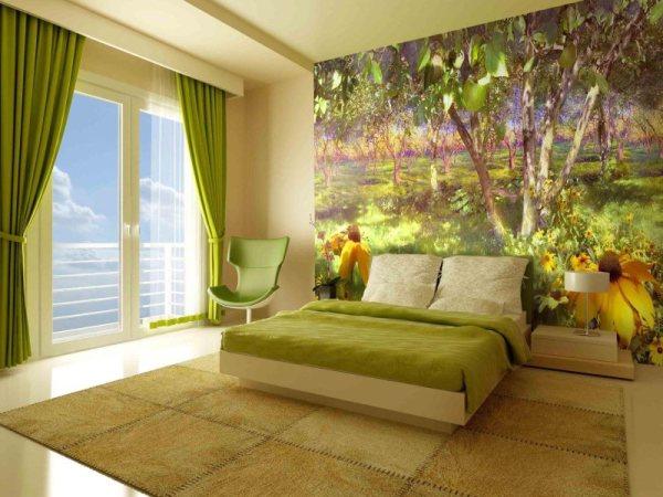 На фото, фотообои над кроватью в спальне с изображением красочного и светлого сада, в интерьере спальни