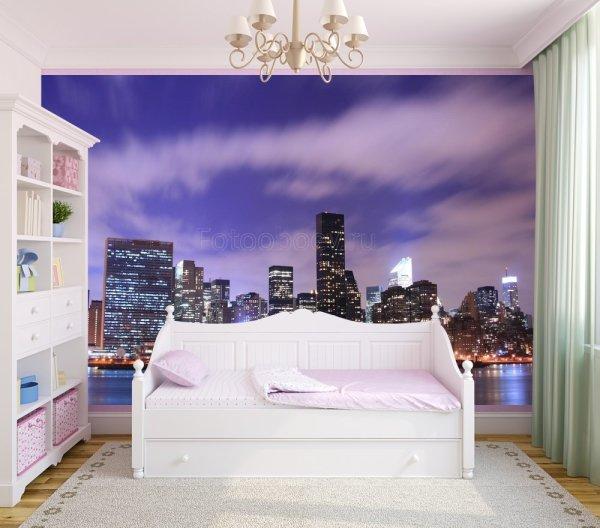На фото, изображение синего неба над вечерним Нью-Йорком