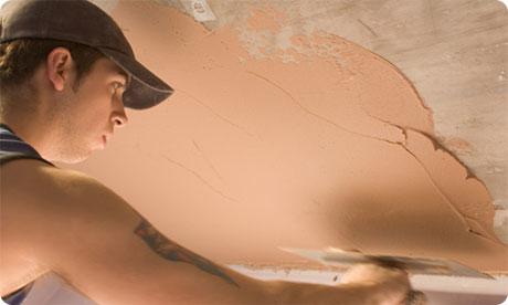 Наносим глиняное покрытие