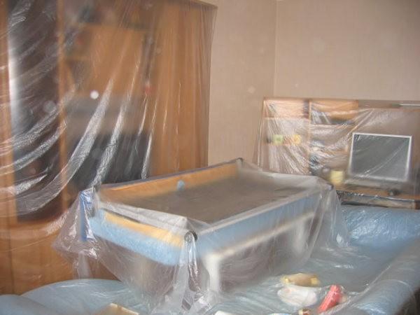 Предохранение мебели при снятии обоев
