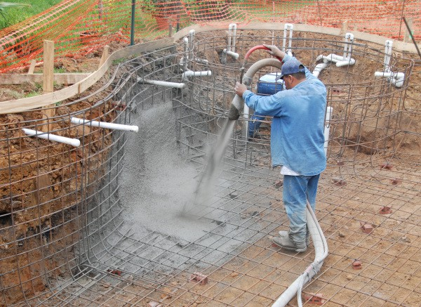 Торкретное бетонирование чаши бассейна