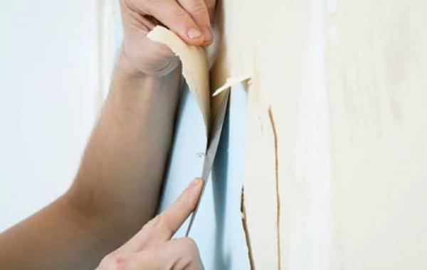 Как наклеить бумажные обои на подготовленную стену