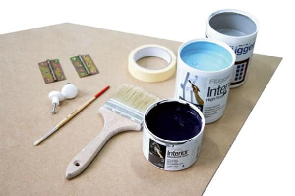 Материалы и инструменты для покраски шкафа