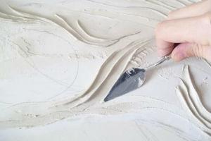 Нанесение изображения на стену с помощью мастихина