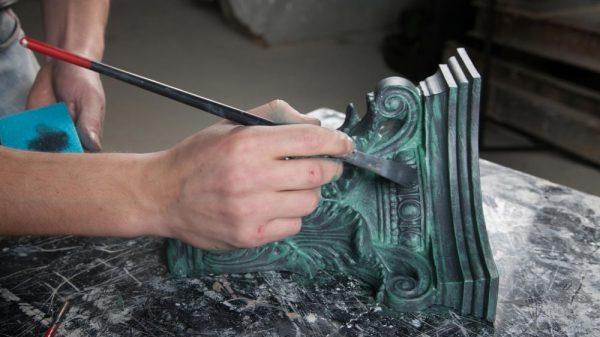 Нанесение на изделие патины, имитирующей старую окисленную медь