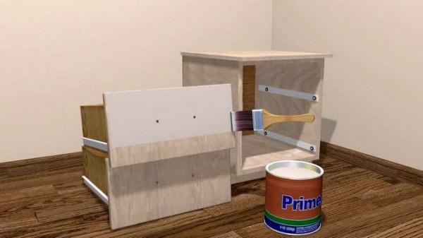 Перед тем как покрасить старую мебель из ДСП, её нужно подготовить