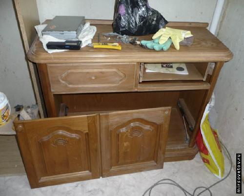 Подготовка небольшого шкафчика к реставрации