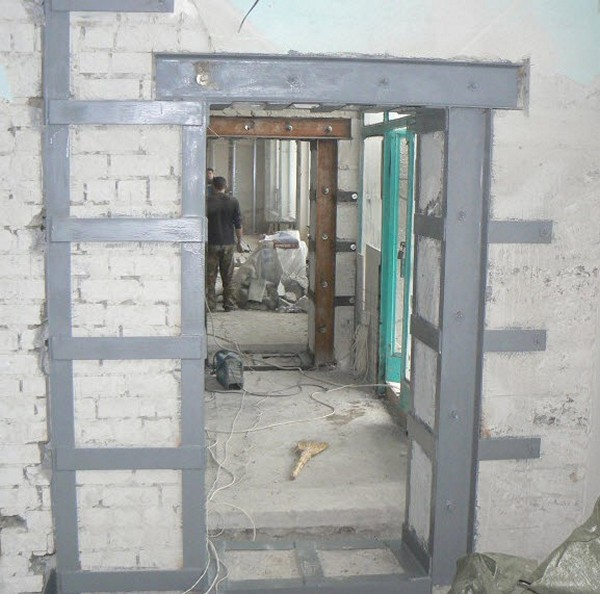 Как в несущей стене сделать дверной проем