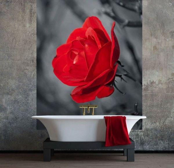 Яркий акцент с помощью фотообоев в современном интерьере ванной комнаты