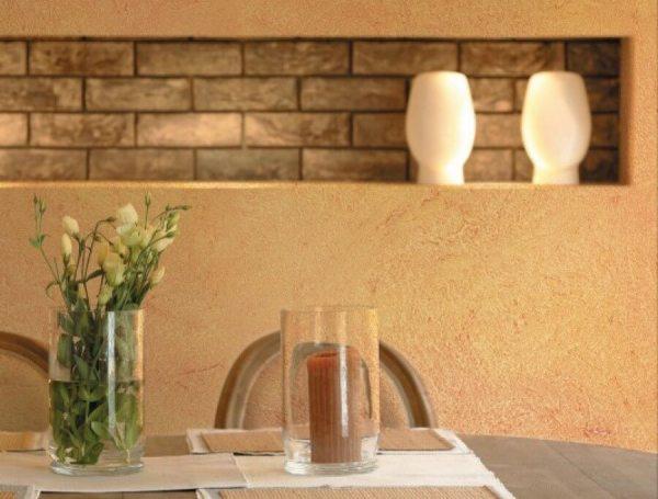 Благодаря основным характеристикам эту штукатурку можно применять как для внутренней отделки, так и для фасадных работ.