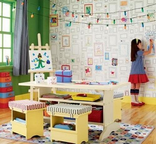 Бумажные обои в комнате для детей