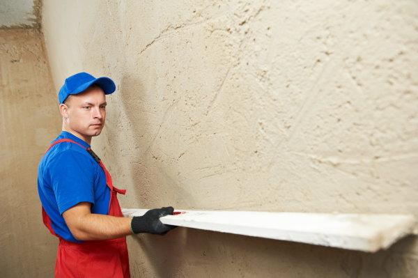 Какой слой штукатурки можно наносить на стену
