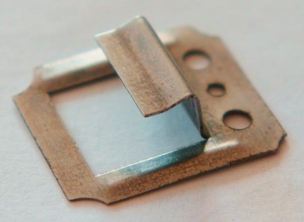 Металлический кляймер для крепления вагонки