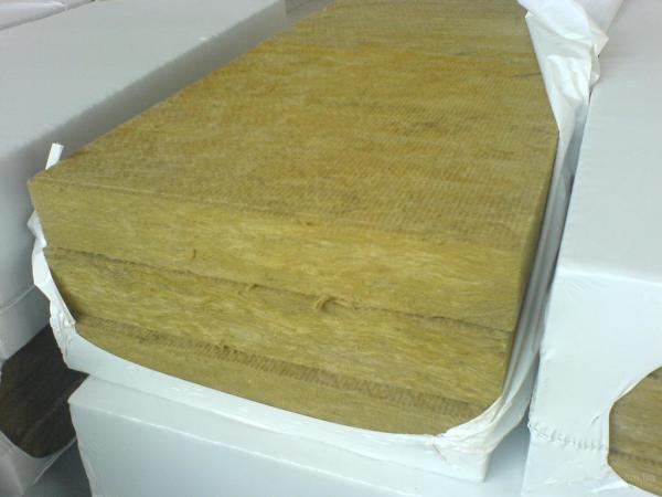 Минеральная вата с армирующим слоем на поверхности