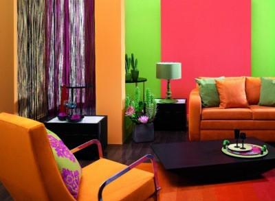 Обои таких цветов могут сделать комнату совсем иной, вдохнуть в нее свежесть и новизну.