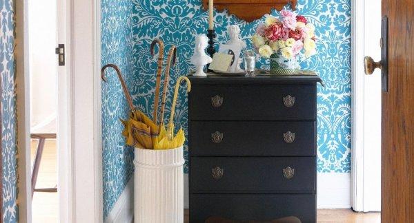 Подбирая вариант обоев для конкретного помещения, ориентироваться нужно не только на цветовую гамму, тематику рисунка и декор в других частых дома.