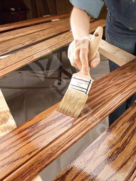 Покрытие вагонки специальными пропитками, которые ярко выделяют текстурный рисунок дерева. Такое покрытие не только не портит дерево, но и придаёт ему совершенно новый облик