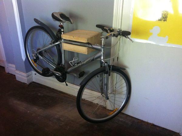 Как сделать держатель для велосипеда на стену - УО РМД