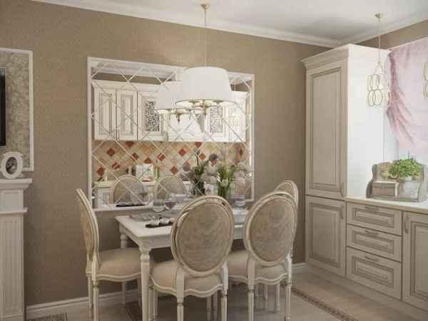 Пример, чем декорировать пустую стену на кухне в стиле барокко