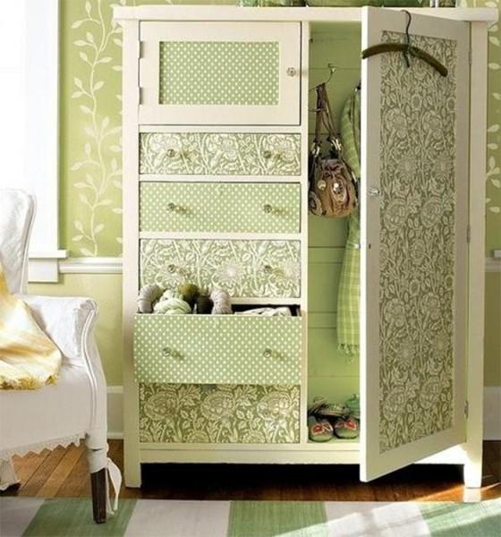 Пример оформления шкафа обоями