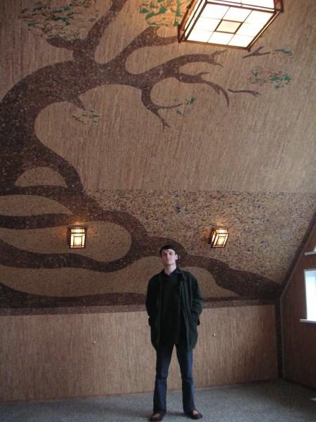 Рисунок на стене, выполненный при помощи пробки. С такой отделкой, ваше жилище не только будет выглядеть богато, но и станет по-настоящему оригинальным