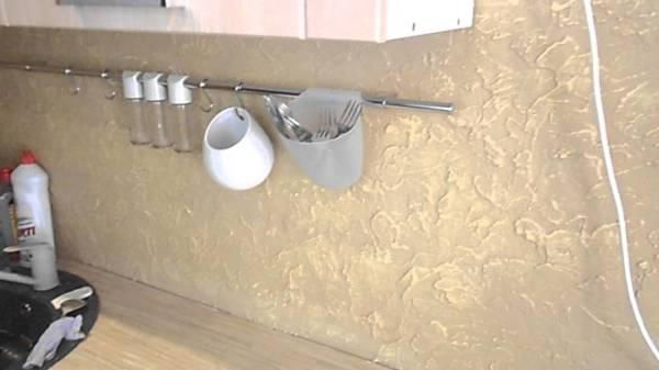 С помощью декоративной штукатурки можно создавать различные узоры