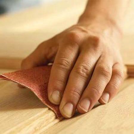 Зашкуриваем древесину