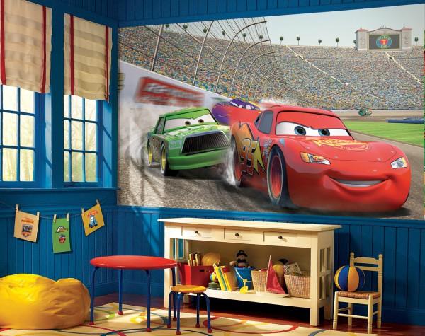 Будущему гонщику очень понравятся фотообои на стену детские тачки с изображением героев из мультфильма «тачки», возможно автомобили станут его и взрослым увлечением