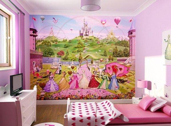 Детские фотообои для девочек, чаще всего, изображают сказочных персонажей, принцесс и замки, это помогает девочке и себя ощущать принцессой
